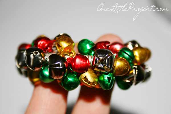 How to make Jingle Bell napkin rings.  These are so cute for Christmas and just like the ones at Pier 1.
