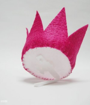 Mini Felt Crown Barrette | onelittlproject.com