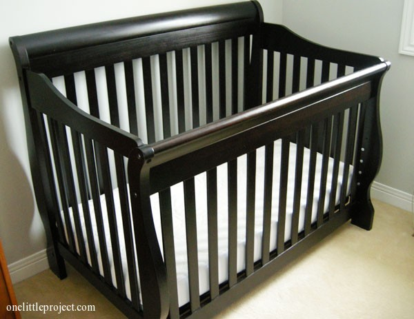 Shermag Preston crib in the lowest position