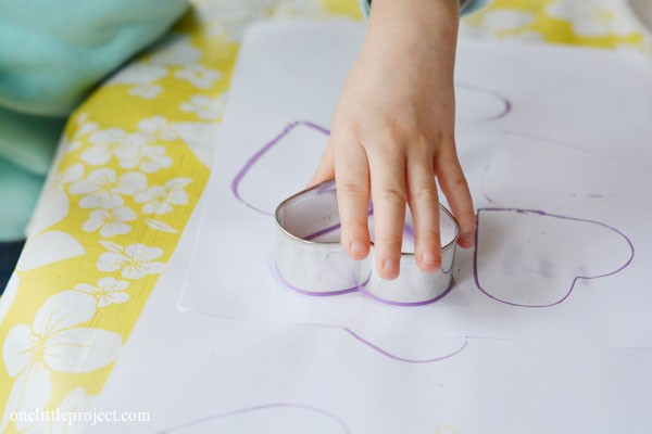 Easy cookie cutter painting craft for preschoolers | onelittleproject.com