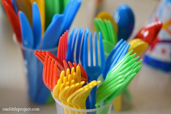 Rainbow party ideas: colourful cutlery