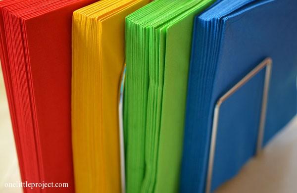 Rainbow party ideas: colourful napkins