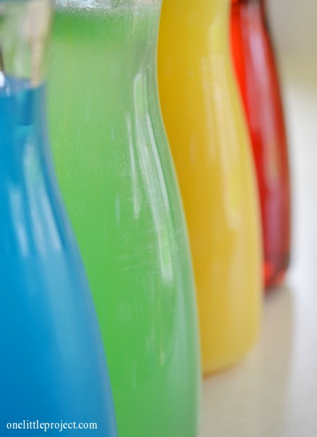 Rainbow party ideas: different coloured juices