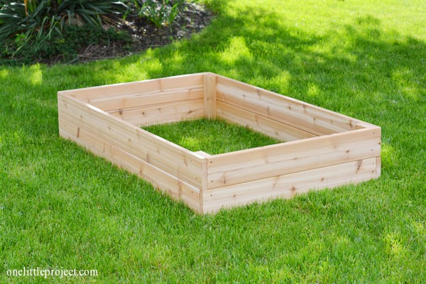 Exceptionnel How To Make A Garden Box | Onelittleproject.com