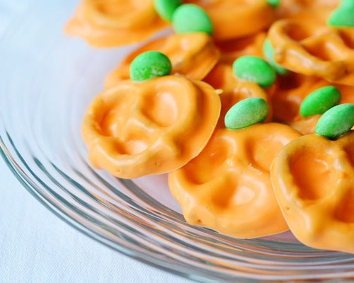 Chocolate Pretzel Pumpkins
