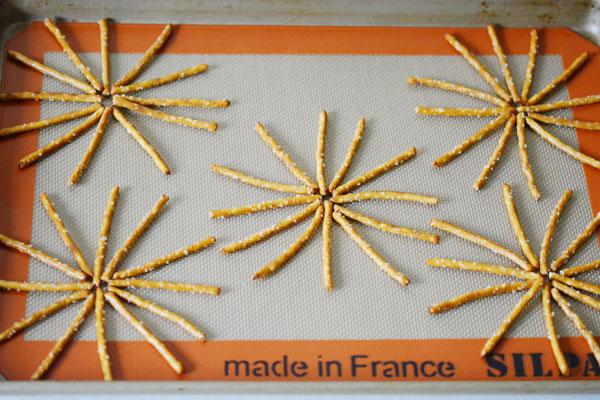 Halloween Pretzel Spider Webs Tutorial | onelittleproject.com