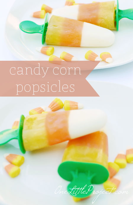 How to make candy corn popsicles. These are a great Halloween snack with the added bonus of being super healthy!