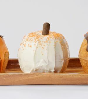 Mini Bundt Cake Pumpkins