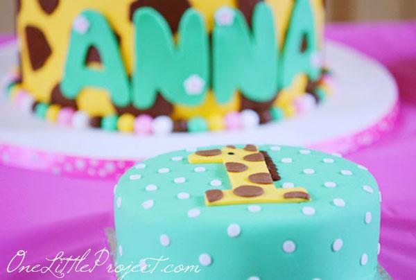 Giraffe Birthday Party Theme