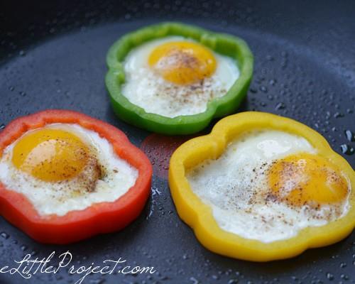 Make eggs in bell pepper rings