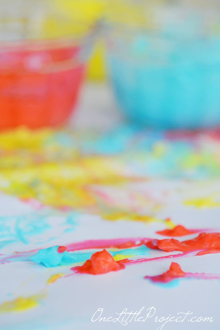 Mix together equal amounts of corn starch and boiling water to make your own finger paint. Its super easy, edible and fun!