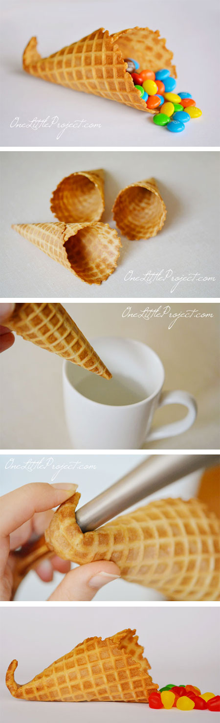 These mini cornucopias are ADORABLE!! Dip a sugar cone in water, microwave and then bend the end of it into shape. Definitely need to remember this for Thanksgiving!!