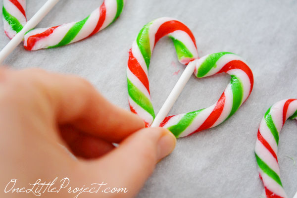 How to make candy cane hearts