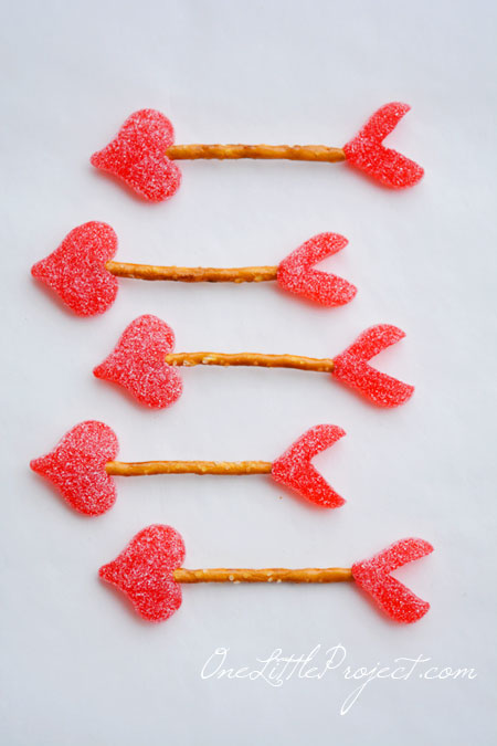 Valentine Treats Easy Cupid S Arrow Pretzels Valentines Day Treats
