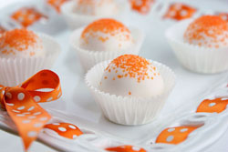 Orange-Creamsicle-Cake-Pops