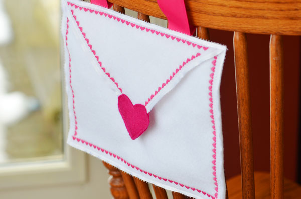 Valentine's Day Chair Backer Tutorial