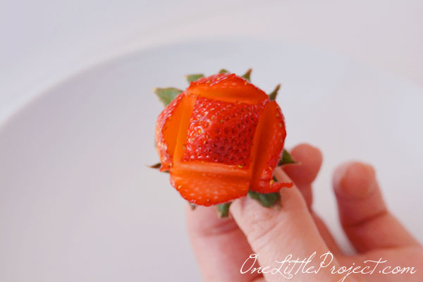 How To Make A Strawberry Rose Strawberry Roses Bouquet