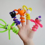 Easy Pipe Cleaner Finger Puppets
