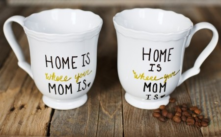 25 DIY Mother's Day Gift Ideas | DIY Home is where your mom is mugs