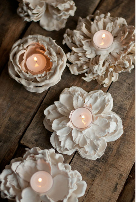 25 DIY Mother's Day Gift Ideas | DIY Plaster molded flowers