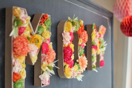 25 DIY Mother's Day Gift Ideas | DIY Monogram Flower Arrangement
