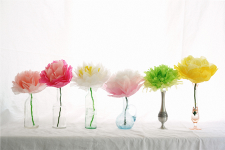 25 DIY Mother's Day Gift Ideas | Beautiful tissue paper flowers