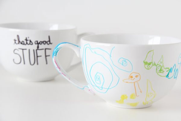 Eco-Friendly Homemade Mother's Day Gift Ideas - DIY Sharpie Mugs