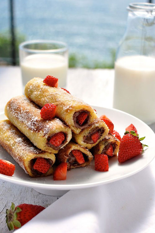 50+ Best Recipes for Fresh Strawberries - Strawberry Nutella French Toast Roll Ups