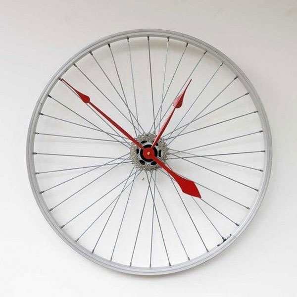 Eco-Friendly Homemade Mother's Day Gift Ideas - Upcycled Bicycle Wheel Clock