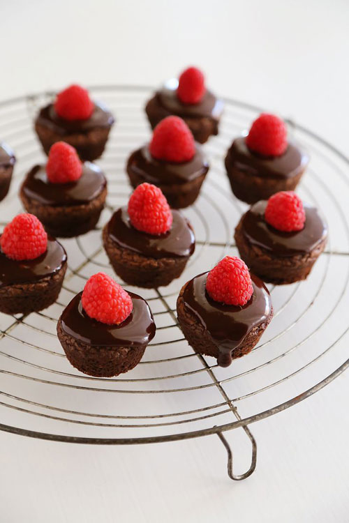 50+ Best Recipes for Fresh Raspberries - Raspberry Ganache Brownie Bites