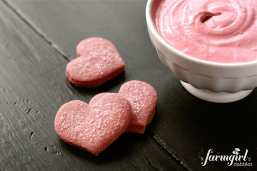 50+ Best Recipes for Fresh Raspberries - Raspberry Shortbread Hearts with Raspberry Dip