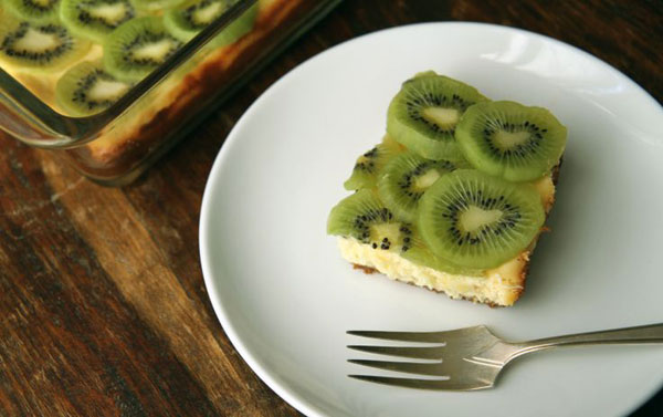 50+ Best Kiwi Recipes - Kiwi Topped Lemon Cheesecake Bar