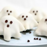 Easy Fondant Ghost Cupcakes