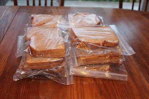 Lunch Box Hacks - Freezer Friendly Peanut Butter & Jelly Sandwiches