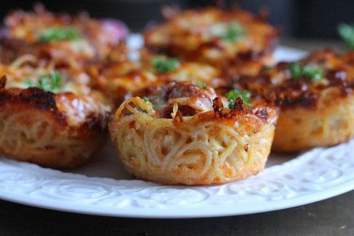 Non-Sandwich Lunch Ideas - Scrumptious Spaghetti Muffins
