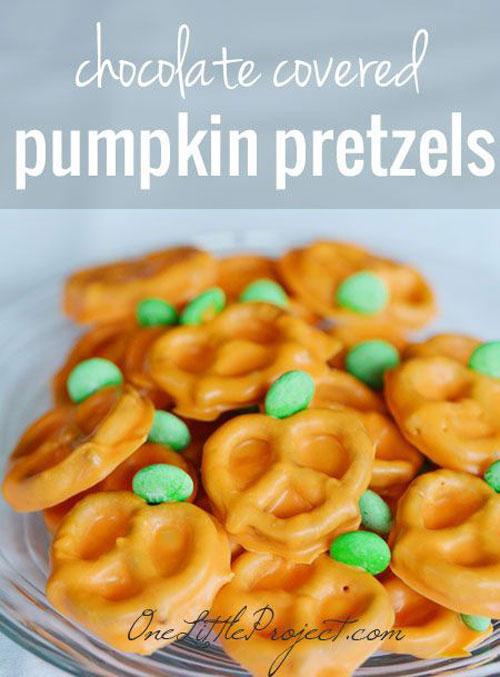 Halloween Food Ideas - Chocolate Covered Pumpkin Pretzels