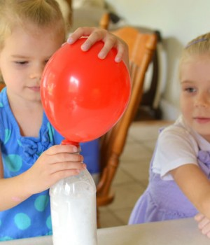Baking Soda and Vinegar Balloons