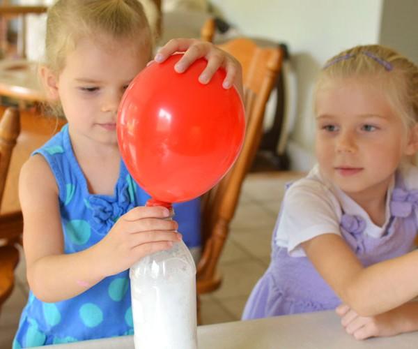 Baking Soda and Vinegar Balloons