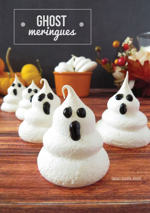 Halloween Food Ideas - Ghost Meringues