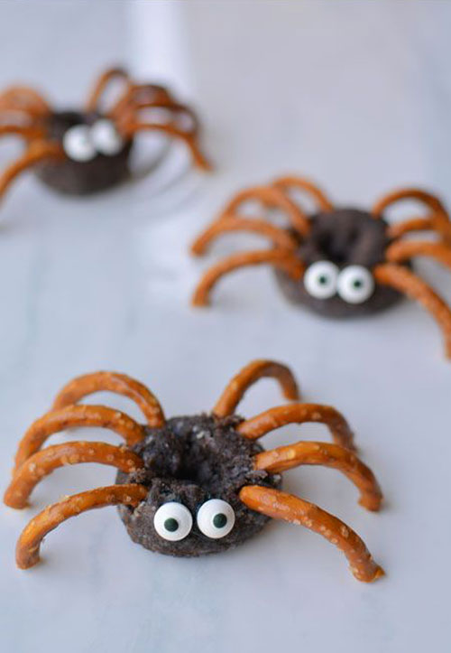 Halloween Food Ideas - Mini Chocolate Donut Spider