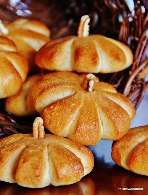 Halloween Food Ideas - Pumpkin Rolls
