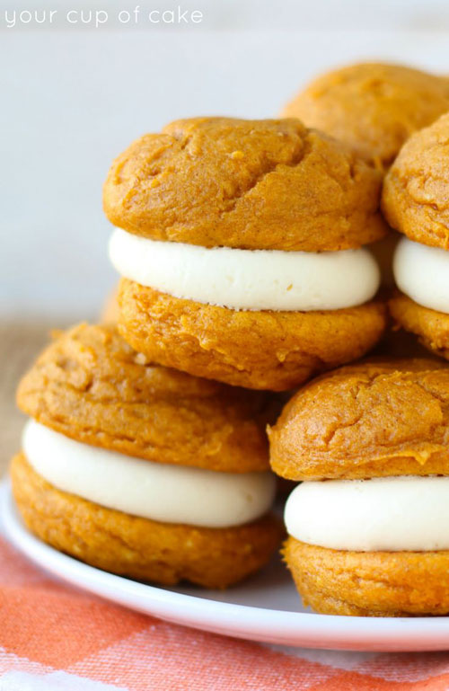 50+ Best Pumpkin Recipes - 5 Ingredient Pumpkin Cheesecake Whoopie Pies