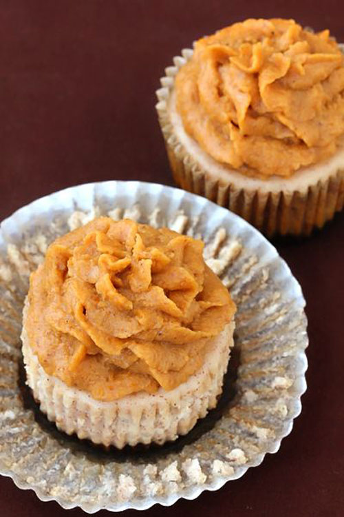 50+ Best Pumpkin Recipes - Cinnamon Mini Cheesecakes With Pumpkin Pie Frosting