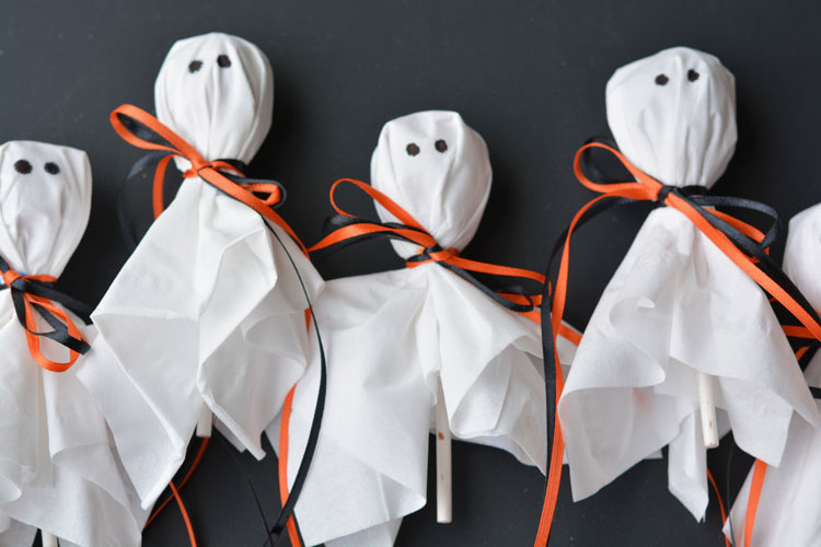 The Ultimate Halloween Party Ideas for the Family, Halloween food, Halloween crafts, Halloween games, Recipes, Pumpkin decorating, family fun