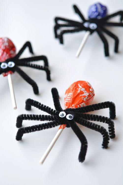 40+ Awesome Pipe Cleaner Crafts - Lolly Pop Spiders