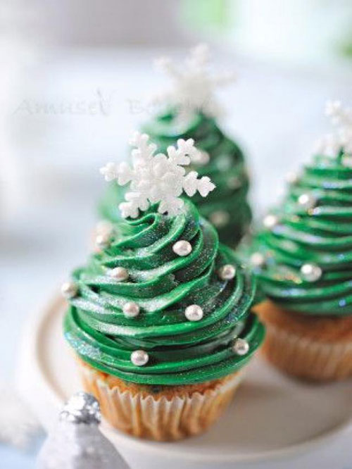 30+ Easy Christmas Cupcake Ideas - Christmas Carrot Cupcakes