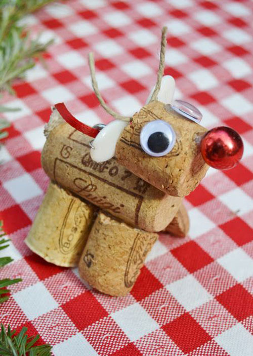 38 Handmade Christmas Ornaments - DIY Cork Reindeer