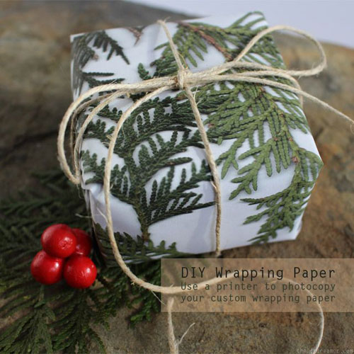 24 Clever Christmas Wrapping Hacks - DIY Printed Wrapping Paper