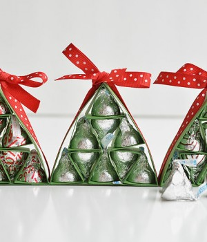 How to Make Hershey's Kisses Christmas Trees