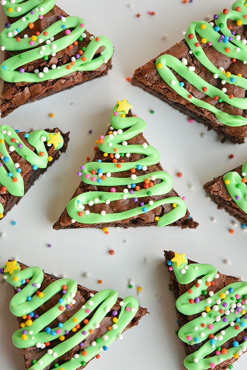 Easy christmas tree brownies these christmas tree brownies are so easy and they look adorable wouldnt they forumfinder Gallery